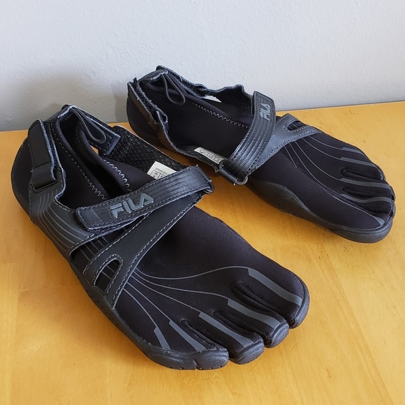 a2f32d9c25 Fila Shoes | Skeletoes Athletic Water Barefoot Sz 6 | Poshmark